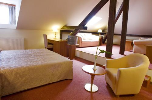Lovran hotel lovran familienzimmer tennis wellness for Hotel mit familienzimmer