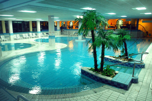 Petrcane, Hotel Pinija: Wellness, Swimmingpool, Hallenbad, Familienzimmer, Mini Club & Animation