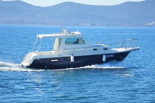 Damor 900:  Yachtcharter ab Zadar, Dalmatien; Motorboote & Motoryachten  Yachtcharter, Kroatien, Adria, Kornaten  DAMOR 900   flottes Motorboot    Webasto Heizung    gratis Wi-Fi  1 GB / Woche